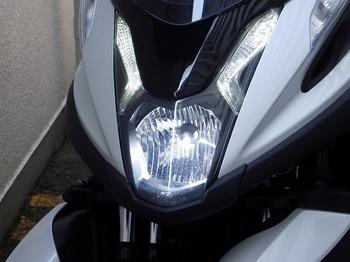 トリシティ カスタム ヘッドライト LED 20.jpg