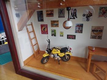 バイク ジオラマ ガレージ 33.jpg