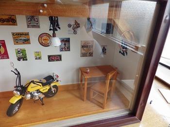 バイク ジオラマ ガレージ 34.jpg