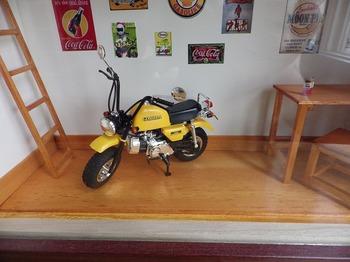 バイク ジオラマ ガレージ 35.jpg