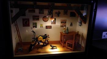 バイク ジオラマ ガレージ 37.jpg
