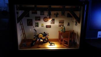 バイク ジオラマ ガレージ 38.jpg